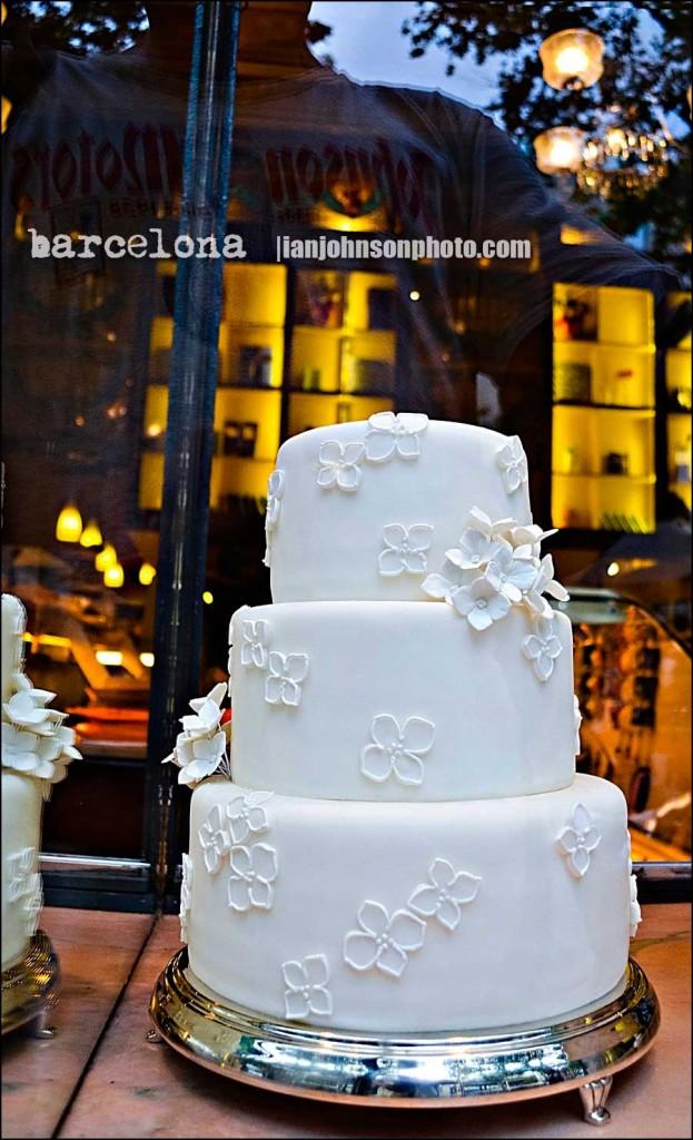 '' barcelona wedding cake ''